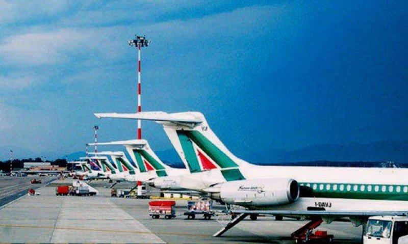 Alitalia cancela el 15% de sus vuelos domésticos por una huelga de pilotos y TCP