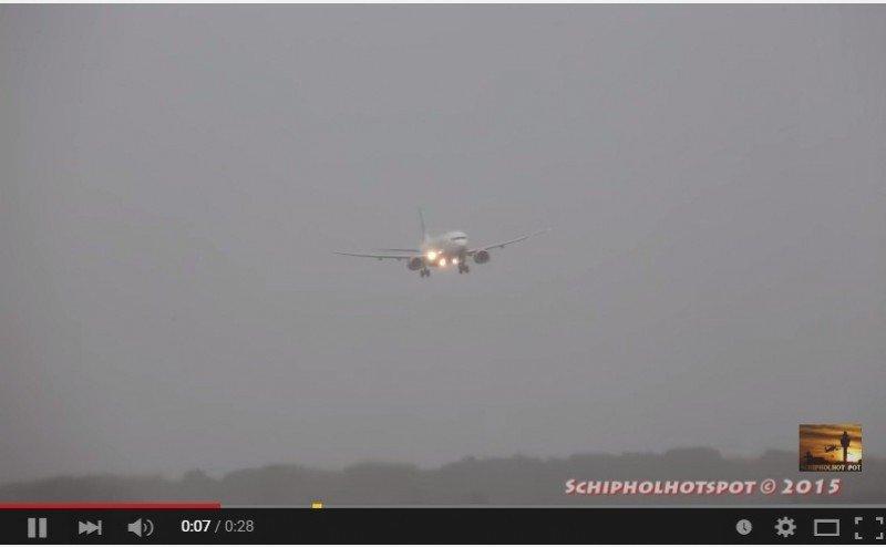 Transavia: aterrizaje forzoso en Amsterdam tras un desvío y tres aproximaciones (vídeo)