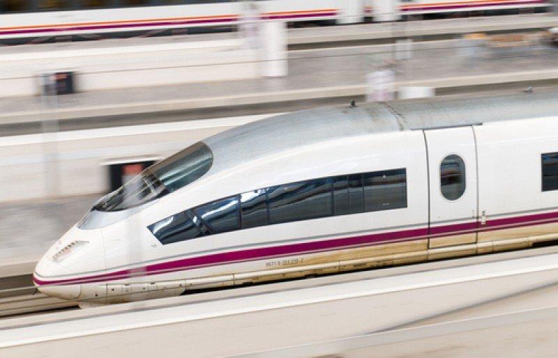 El AVE copa el 63% de los viajes entre Madrid y Barcelona. #shu#