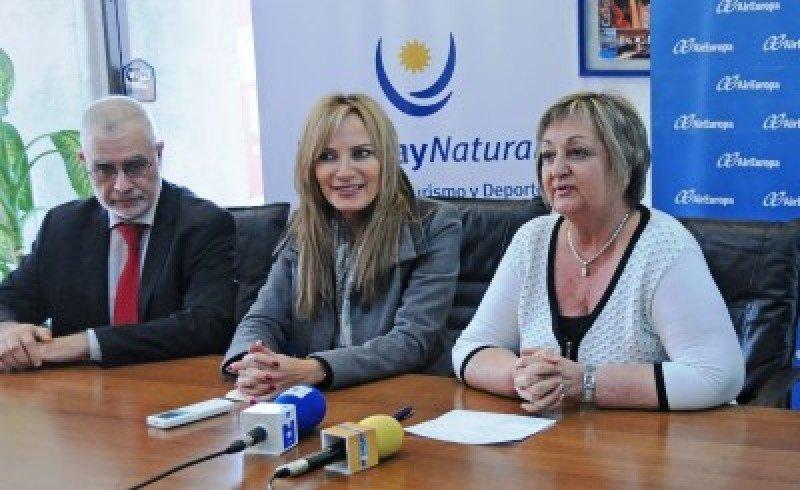 Benjamín Liberoff, Adriana Forlán y Liliam Kechichian en el anuncio del acuerdo entre Air Europa y el Ministerio de Turismo.
