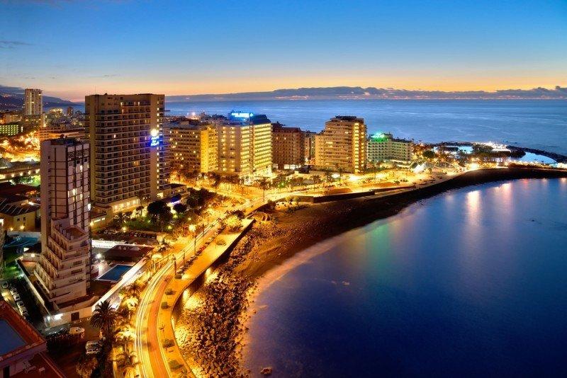 En Canarias el sector hotelero ha manifestado su firme oposición a una tasa turística. #shu#.