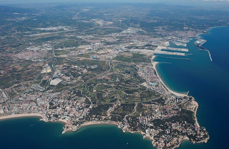 Vista aérea de los terrenos donde se ubicará BCN World, junto a PortAventura.