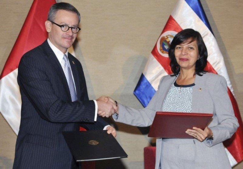 El acuerdo estimulará los viajes entre ambos países.