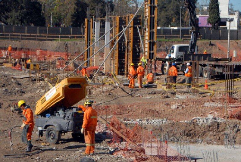 Las obras del complejo habían comenzado en marzo; 150 trabajadores de la empresa Teyma quedarán sin trabajo.