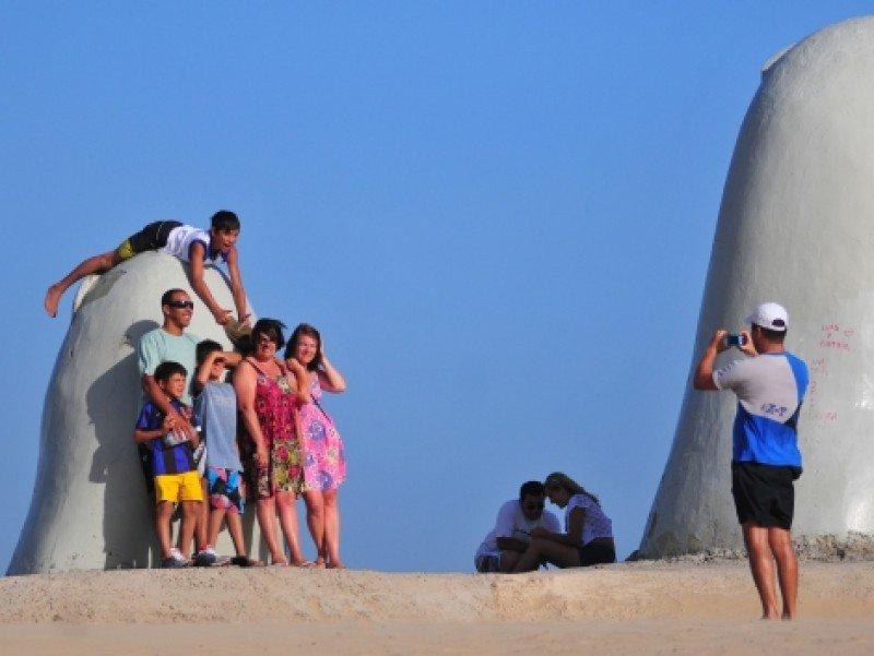 Aumentan 10% los turistas extranjeros en Uruguay en el primer semestre