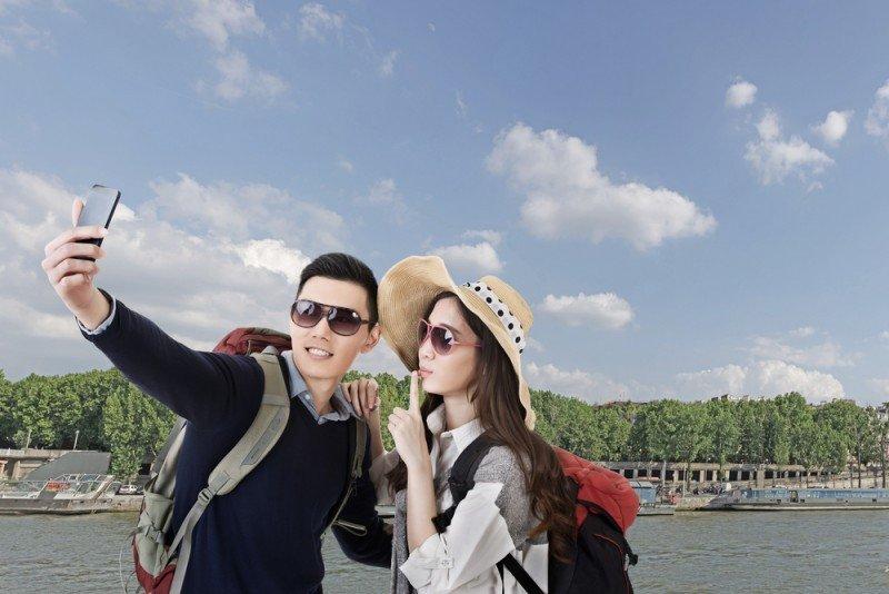 El 80% de los turistas chinos jóvenes utiliza dispositivos electrónicos. #shu#