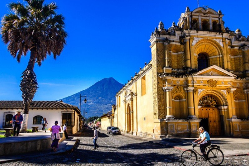 Turistas y gasto suben a la par en Guatemala. #shu#