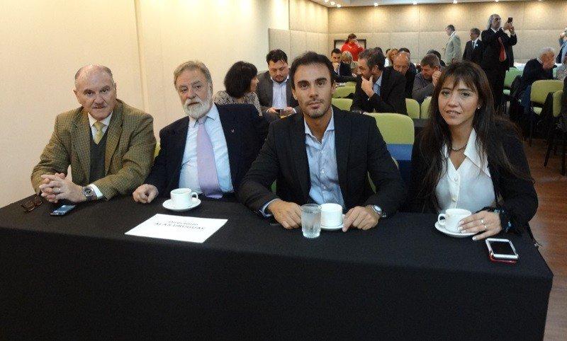 Directivos de Alas Uruguay: Daniel Olmedo, Carlos 'Pico' Trelles, Nicolás de los Santos y Sabrina Acevedo.