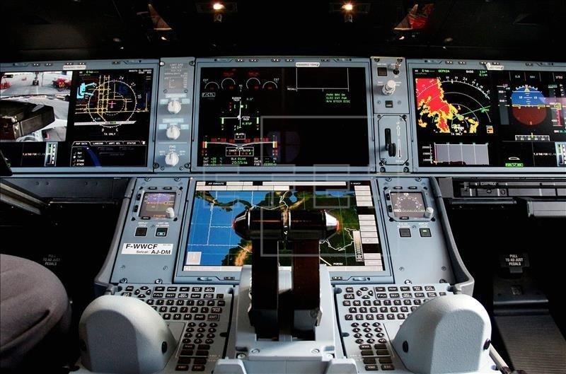 Imagen digital de cómo sería la cabina del nuevo prototipo hipersónico de Airbus (foto Efe).