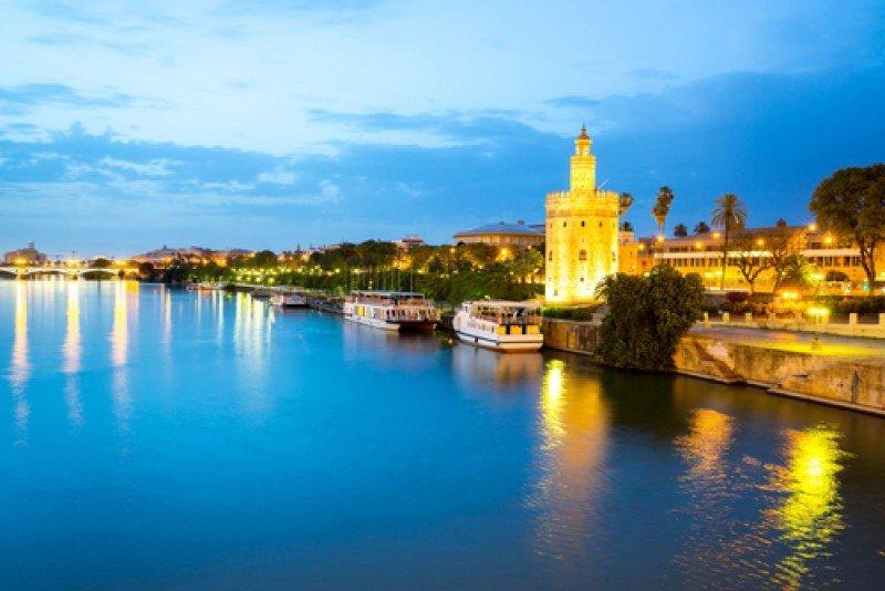 Sevilla, al anochecer. #shu#