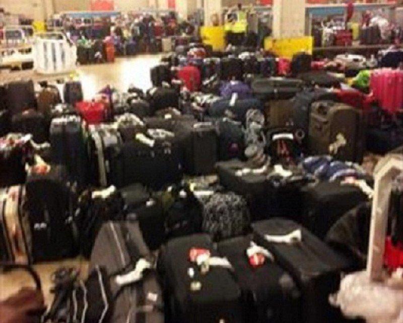 Vueling, sanción en Italia mientras en Barcelona-El Prat tiene 2.000 maletas por entregar