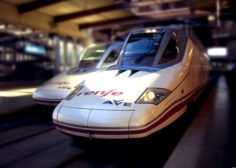 Trenes de alta velocidad.