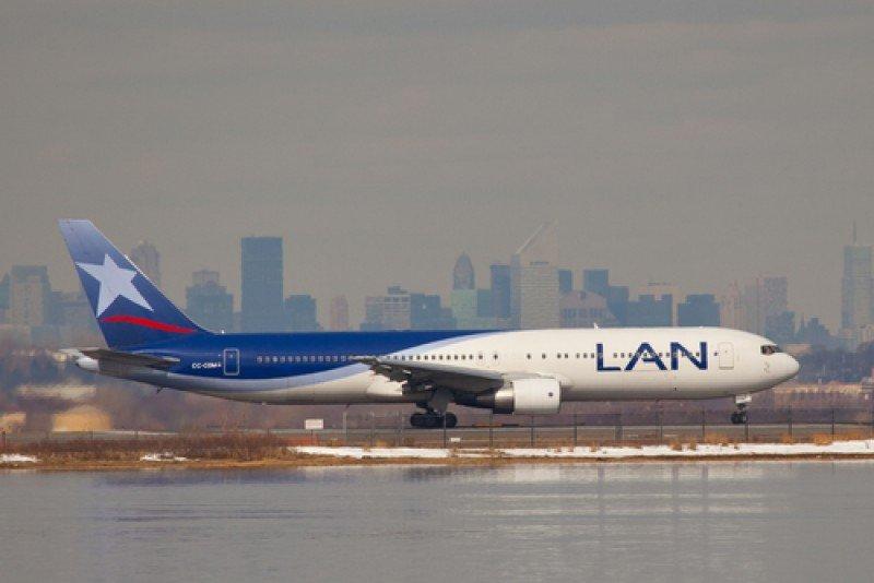 Avión de LAN. #shu#