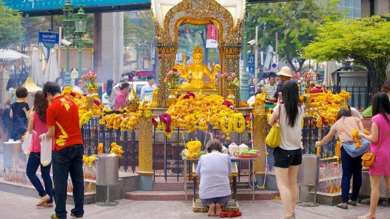 Templo induísta de Erawan, situado en la zona del atentado de Bangkok.