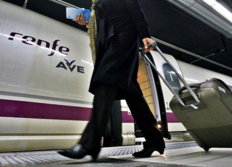 La apertura a la competencia del transporte de viajeros en tren beneficiará a los ciudadanos, según aseguran desde Fomento.