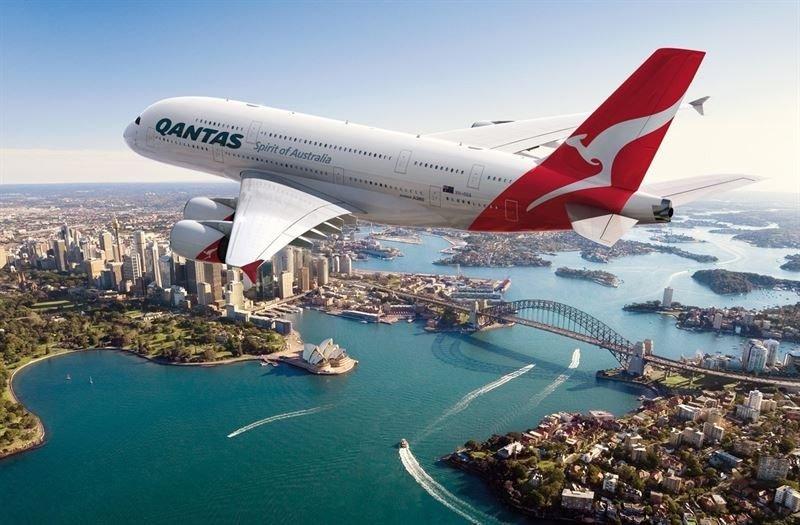 Qantas gana 364 M € saliendo de pérdidas