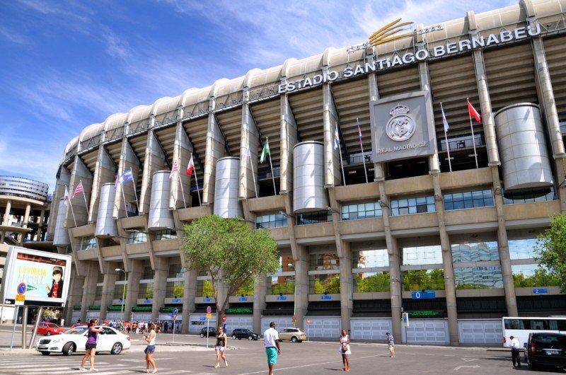 Italianos, franceses, ingleses y alemanes son los visitantes extranjeros más asiduos en el Bernabéu. Darios / #shu#.