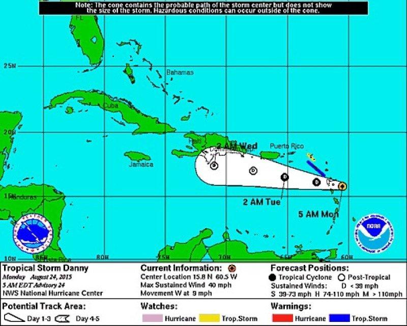 La tormenta tropical Danny se dirige a la República Dominicana, pero está perdiendo fuerza. Gráfico: National Hurricane Center. CLICK PARA AMPLIAR IMAGEN