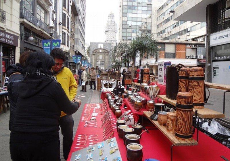 Revitalizar el casco histórico es uno de los primeros objetivos que se plantea la Intendencia de Montevideo.