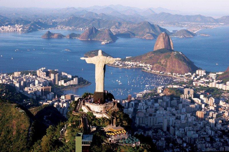 Río de Janeiro concluirá un centro turístico a los pies del Cristo Redentor.