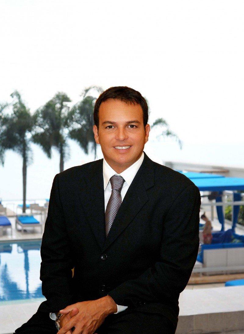 Carlos Abaunza.