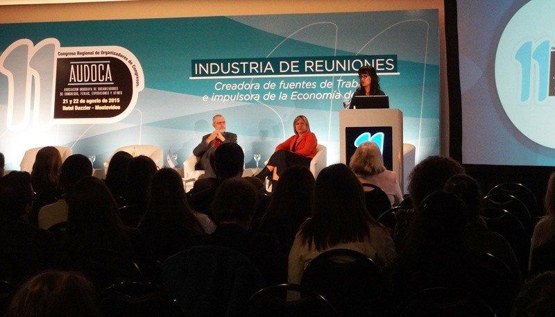 Graciela Sánchez en la apertura del congreso de turismo de reuniones en Montevideo este viernes.