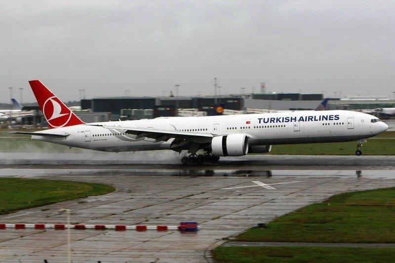 La aerolínea turca volará a Bogotá y Panamá con aviones Boeing 777-300ER.