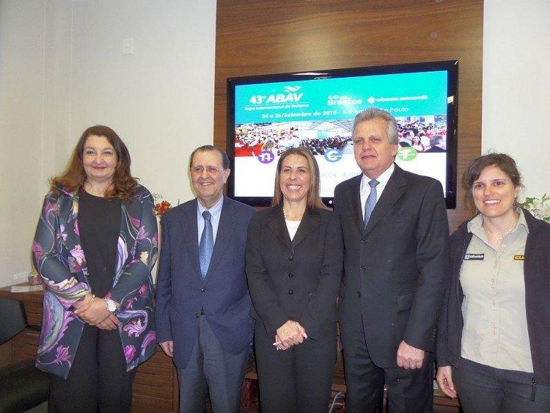 Magda Nassar, Antonio Azevedo, Gisele Lima, Edmar Bull y Adriana Raubi en el lanzamiento de la feria.