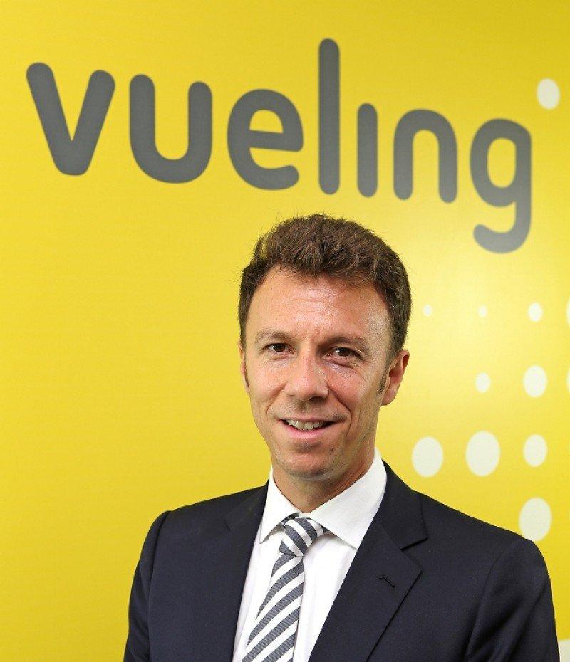 Vueling nombra un nuevo director comercial, David García Blancas.