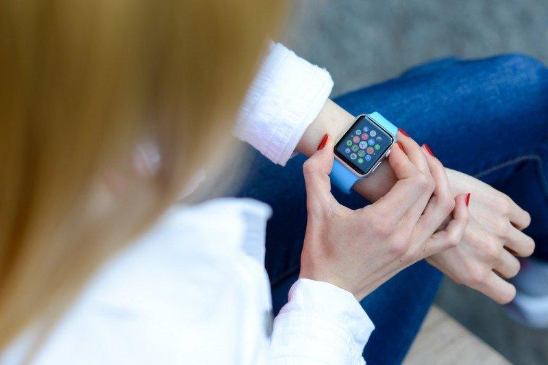 Anfitriones y huéspedes podrán enviar y recibir mensajes en su reloj con esta aplicación. Giuseppe Costantino / #shu#