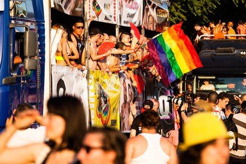 España se encuentra entre los cinco principales destinos del mundo para el turismo gay. #shu#
