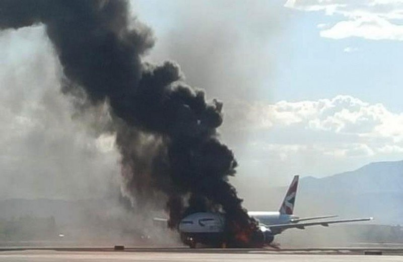 Un avión de British Airways se incendia cuando iba a despegar de Las Vegas (vídeo)