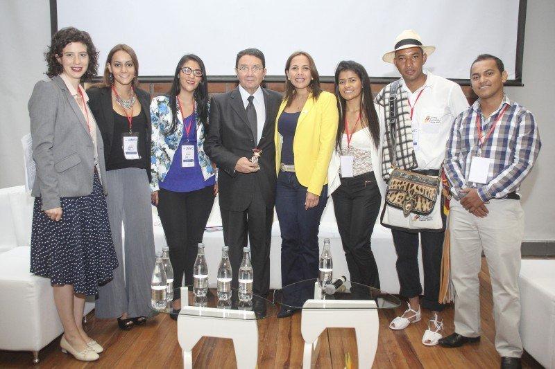 El secretario general de la OMT, Taleb Rifai, durante el encuentro con estudiantes de Turismo celebrado en Medellín, Colombia.