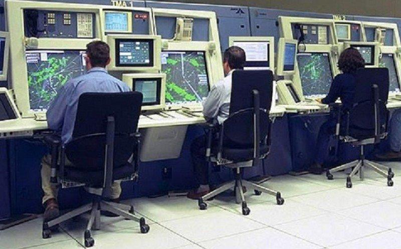 Los controladores reanudan la huelga con dos paros parciales