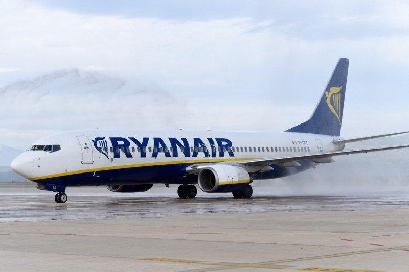 Castellón recibe su primer vuelo regular, a cuatro años y medio de su inauguración