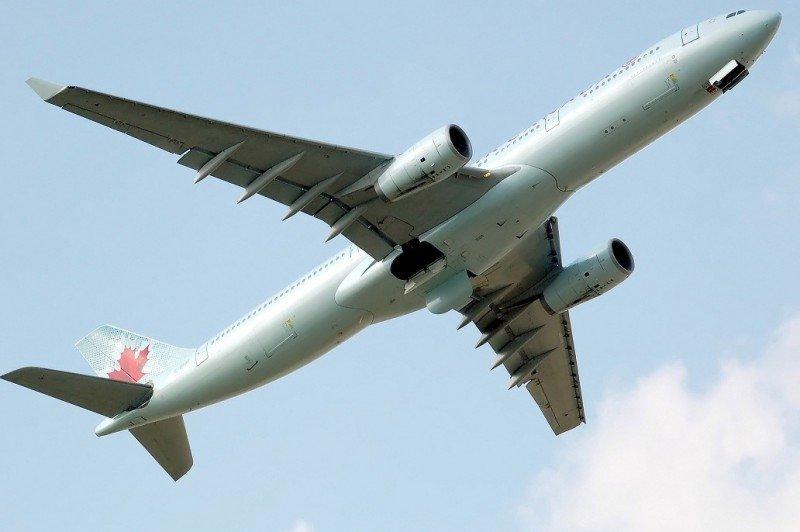 Las rutas con Barcelona son operadas con un Boeing 767-300ER.