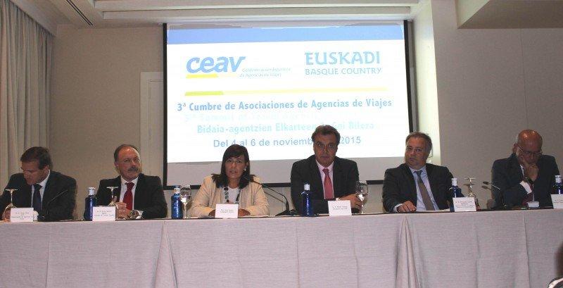 En la presentación también estuvieron presentes representantes de Iberia, Alsa, Avis y Amadeus, colaboradores de la Cumbre.
