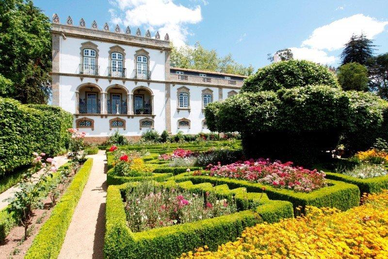 La Casa da Ínsua, en Portugal, es la primera franquicia de Paradores.