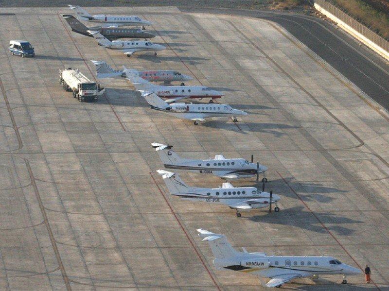 Finalmente el aeropuerto de Ibiza ampliará el área reservada a jets privados.