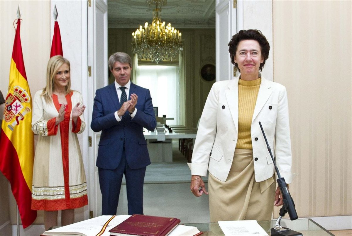 Anunciada Fernández de Córdova tomó ayer posesión como directora de la Oficina de Cultura y Turismo de la Comunidad de Madrid.