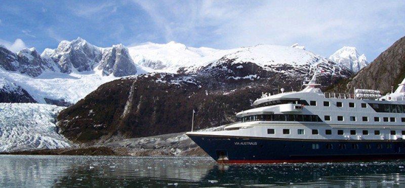 La llegada del Via Australis da comienzo a la temporada de cruceros en Ushuaia.