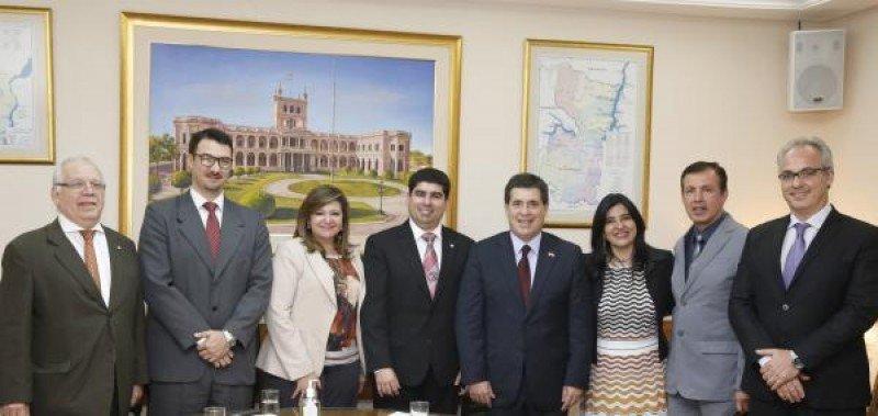 Audiencia con el presidente de Paraguay, Horacio Cartes.