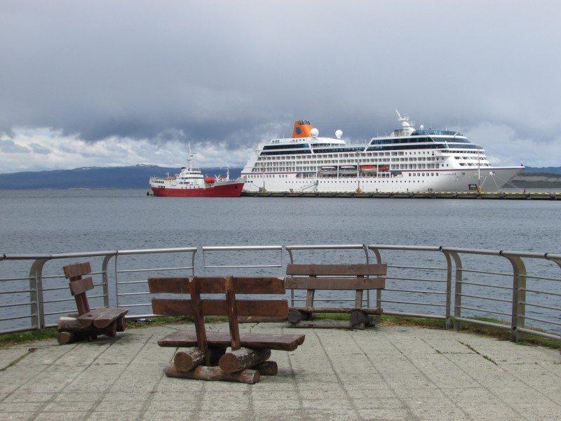 Ushuaia espera crecer casi 25% en cantidad de cruceristas 2015-2016.