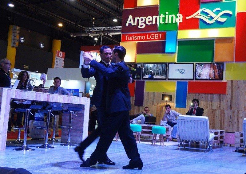 Stand de LGBT Argentina en la FIT 2015.