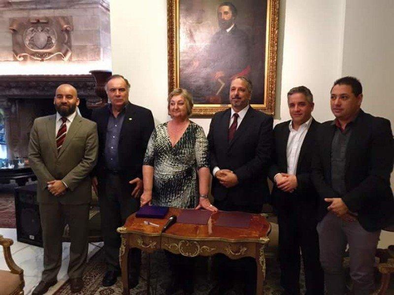 El acuerdo fue firmado en la residencia del embajador uruguayo en Argentina por los directivos de las Cámaras de Uruguay y Argentina