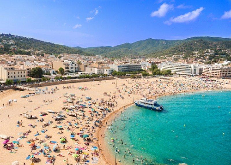 España rozará los 70 millones de turistas este año. #shu#