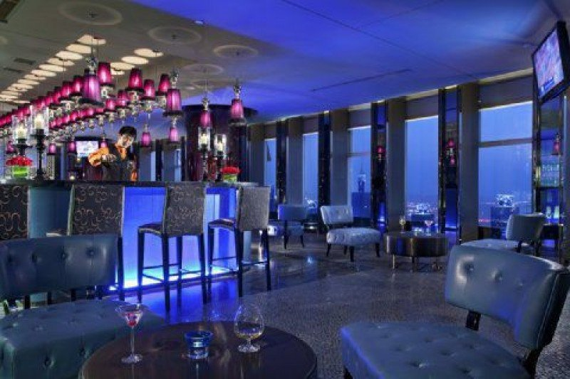 La joint venture operará seis hoteles de HNA antes de finalizar 2015.