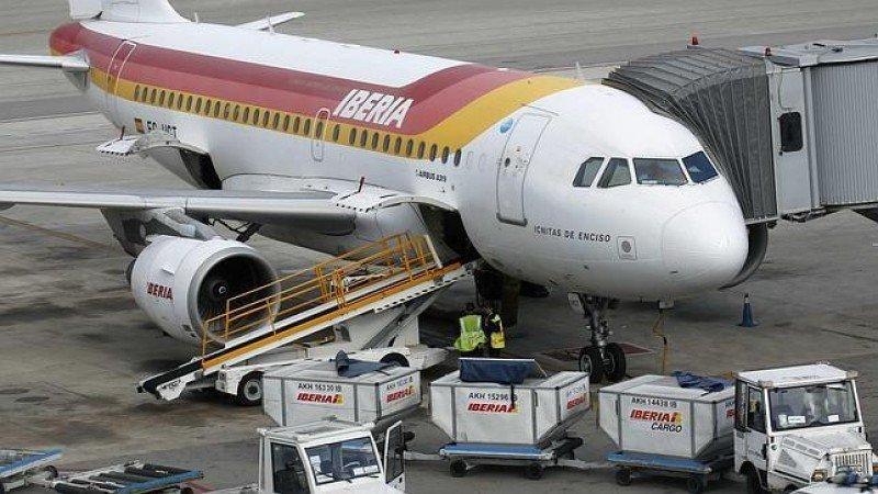 Ocho vuelos desviados en Sevilla por una protesta de trabajadores de Iberia Handling