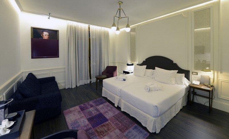 H10 invierte 2,5 M € en la renovación del hotel Villa de la Reina