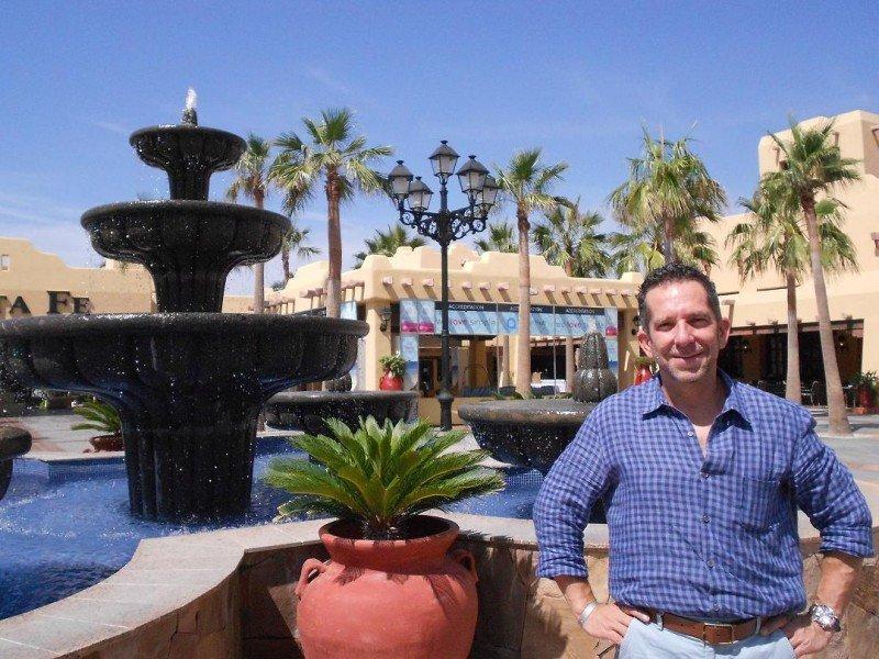 Enrique Calderón, vicepresidente de Operación Hotelera de Posadas, en el Riu Santa Fe, sede del MarketHub de Hotelbeds celebrado en Los Cabos.